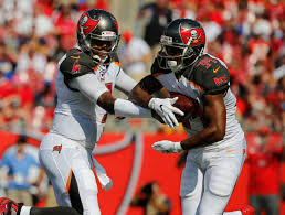 Bucs place RB Charles Sims on injured reserve, promote Russell Hansbrough
