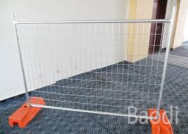 Portable Low Carbon Temporary Construction Fence Panels Crowd Control Fencing