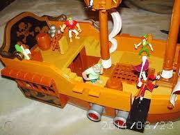 Peter Pan Captain Hook Pirate Ship W Accessories 526852024