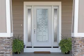 choose a front door that is the focal
