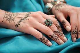 Tatuaz Z Henny Wykonanie Krok Po Kroku Blog Moment