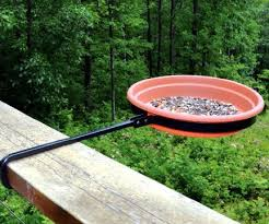 Https S Media Cache Ak0 Pinimg Com 564x E6 E8 11 E6e8116129d77d26f4c2740eb6915af6 Jpg Diy Bird Feeder Bird Feeders Bird Bath