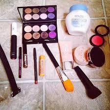 what s in my makeup bag background actors