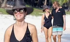 Timeless star Abigail Spencer flaunts beach body in black swimsuit ...