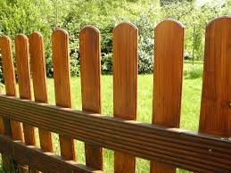 16 Ultimate Garden Fencing Ideas For Home Decking Hero
