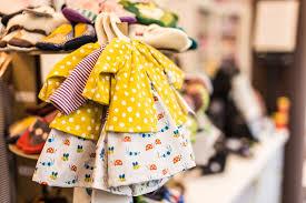 Chia sẻ cách bán quần áo trẻ em hiệu quả, chi tiết cho người mới