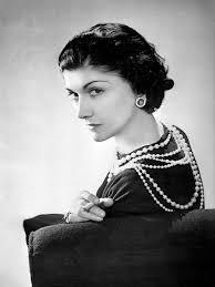 Coco Chanel: la stilista francese icona della moda moriva 45 anni ...