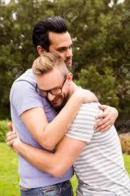 Sonriente, Pareja Gay, Abrazar, En, Jardín Fotos, Retratos ...