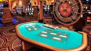 Macau and Singapore are shrinking as casinos struggle - CalvinAyre.com