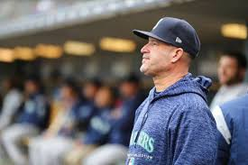 Mariners' Manny Acta staying connected with players during ...