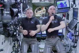 Cosmonauts congratulated children on Knowledge Day from ISS - Balthazar  Korab