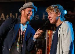 Backstreet Boy shares testimony, sings hit songs with students | Liberty  University