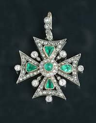 diamond maltese cross pendant joias