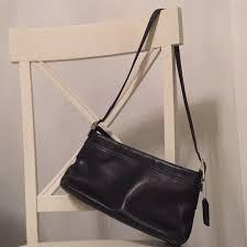 vintage black leather shoulder bag 9861