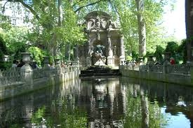 creating ripples in the medici fountain