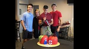 """Aaron Tippin """"Wines"""" About Turning 60 - The Country Note"""