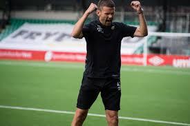 File:Eirik Bakke jublar for 2-2 mot Bodø-Glimt 24. juli 2016.jpg -  Wikimedia Commons