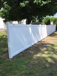 Beautiful White Solid Vinyl Privacy Fence Separates This Property Installed By Ryan His Crew From Triborofence Vinyl Fence Vinyl Privacy Fence Fence