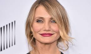 cameron diaz wows in leather dress at
