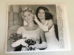 Vintage 1965 Sandra Becker Miss Los Angeles California Beauty Queen  Photograph   Beauty Queens   Beauty queens, Los angeles california, Beauty