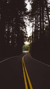 خلفيات ايفون للموبايل طريق فى الغابات Hd 2020 مربع