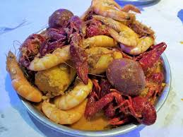 Seafood Boil Your Way At Crafty Crab ...