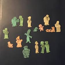 My Mom Gave Me These Glow In The Dark Simpsons Wall Decals And I Wanted To Find Them Online Because It Feels Like That It Should Have More Characters Like Carl And