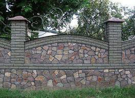 A Fence Made Of Brick With A Pattern Features Of Brick Fences What Is Good Brick Fence