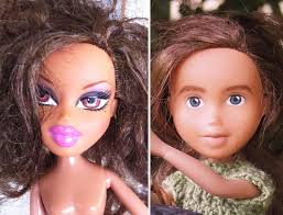 australian mom turns bratz dolls into