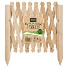 wooden garden climbing plant grid fence