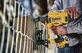 Dewalt Cordless Fencing Stapler 20v And No Gas Pro Tool Reviews