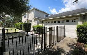Fence Runs Through Garage And Over A Pool In Property Line Dispute Between Bags Inc Founder And Deutsche Bank Orlando Sentinel