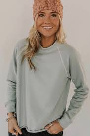 The Mapleton Pullover | Fashion, Simple sweatshirt, Stylish outfits