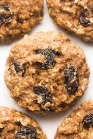 healthy oatmeal raisin breakfast
