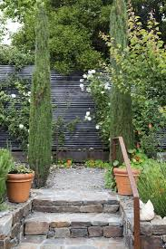 Hardscaping 101 Design Guide For Fences Height Styles And Cost Gardenista