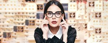 remove scratches from your eyeglasses