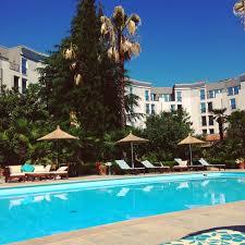 mondaymorning #poolside #sunshine #tirana #albania #yesplease -  hanamai.hawkins