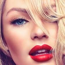 makeup looks wearing red lipsticks