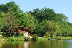 location chalet monne bord de lac