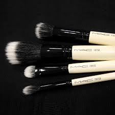 sold out mac makeup brush kit limited