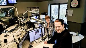 Meet co-anchors Shawn Anderson and Hillary Howard from WTOP - Washington  Business Journal