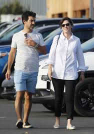 Zooey Deschanel and Her Husband Jacob Pechenik - Shopping for a New Car in  LA 09/30/
