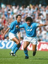 Grito de gol. Diego Armando Maradona en #Napoli, 1988. El 10 ...