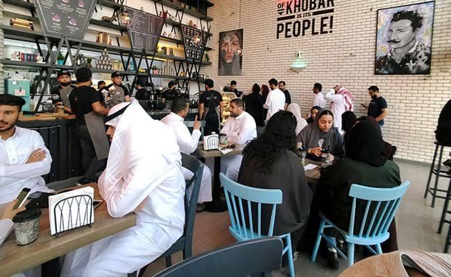 """Image result for Saudi Arabia ends gender-segregated in restaurants"""""""