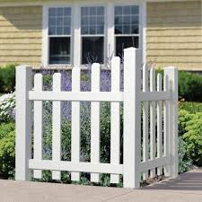 Outdoor Essentials 4 Ft H X 3 5 Ft W White Vinyl Dog Ear Scalloped Spaced Picket Corner Accent Fence Panel Kit 175845 The Home Depot