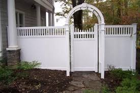 Vinyl Privacy Fence Vinyl Arbor With 6 Privacy Picket Accent Fence Fencing Bergfed Vinyl Privacy Fence Privacy Fence Landscaping Vinyl Fence