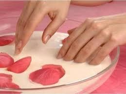 Ванночки против расслаивания и ломкости ногтей. Как приготовить . Какие ванночки укрепят ногти?