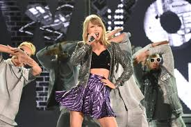 has kicked off her 1989 world tour in tokyo