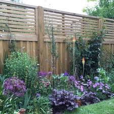 Venetian Fence Topper In 2020 Privacy Fence Landscaping Garden Fence Panels Privacy Fence Designs