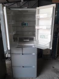 Tủ lạnh Hitachi vip 6 cánh cảm ứng hút chân không